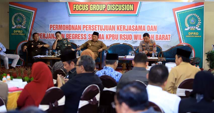 FGD - Dalam Forum Group Discussion (FGD) pembangunan RSUD Barat mendadak Ketua DPRD Sidoarjo, Usman memberikan garansi dan jaminan hukum siap bertanggungjawab dihadapan para undangan, Senin (18/11/2019)