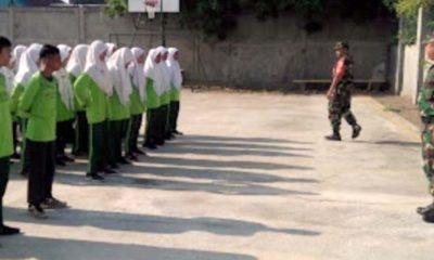 Siswa-siwsi SMP Hasyim Ashari, Tulangan saat mengikuti pelatihan PBB dan Wawasan Kebangsaan (gus)