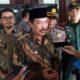 KETERANGAN - Wabup Sidoarjo, Nur Ahmad Syaifuddin memberikan keterangan pers usai menggelar rapat tertutup dengan tim ahli ITS Surabaya dan sejumlah OPD terkait di Pendopo Delta Wibawa, Kamis (05/03/2020)