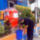 CUCI TANGAN - Sebagai salah satu langkah pencegahan wabah virus Corona (Covid-19) SMA Muhammadiyah 1 Taman (Smamita) Sidoarjo menyediakan tempat cuci tangan di depan gedung sekolah yang bisa digunakan untuk umum, Rabu (8/4/2020)