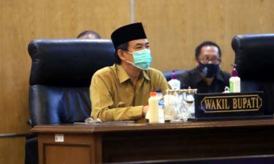 PAPARAN - Plt Bupati Sidoarjo, Nur Ahmad Syaifuddin memaparkan rencana pembangunan RSUD Barat dengan menggunakan skema pembangunan multi yaers dalam rapat Paripurna di DPRD Sidoarjo, Senin (03/08/2020)