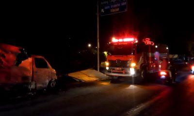 Kondisi mobil saat terbakar diduga karena konsleting pada kabel - Hendak Kirim Sembako Grand Max Ludes Terbakar